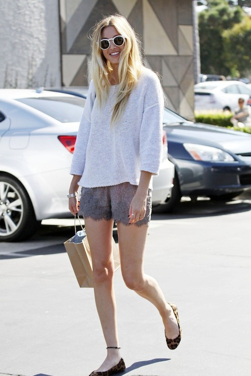 Stunning actress Whitney Port seen wearing a white jumper and lace underwear style shorts while shopping in Cross Creek, Malibu