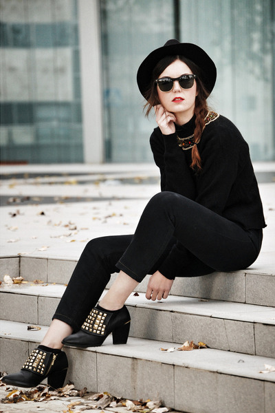 zara-shoes-levis-jeans-zara-hat-vintage-jumper_400