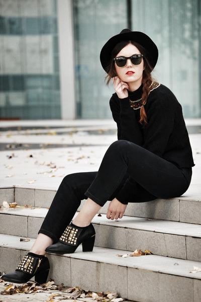 zara-shoes-levis-jeans-zara-hat-vintage-jumper_400